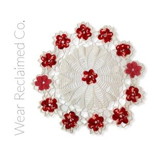 🛍3/$30🛍 VINTAGE Doily - Red & White